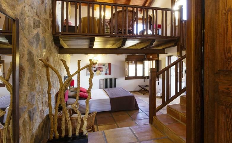Spain - Valencia - Hotel Alahuar - Habitación 111 altillo.jpg