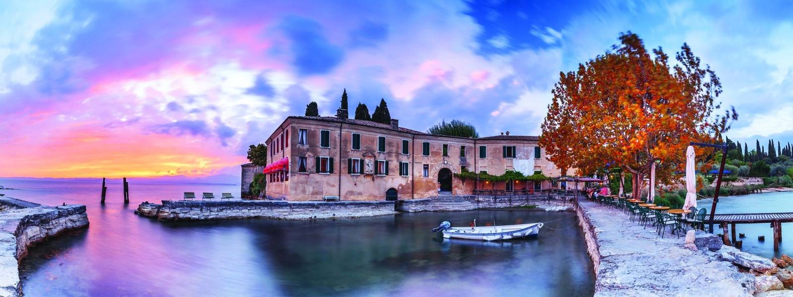 Italy-Lake-Garda-Sunset AdobeStock_120153960.jpg
