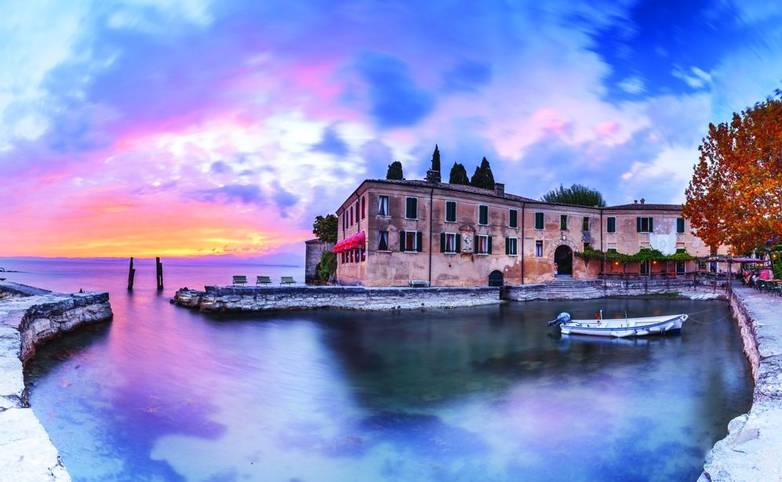 Italy-Lake-Garda-Sunset AdobeStock_120153960.jpg