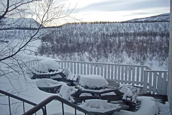 Deep snow covering (Jennifer Horn)