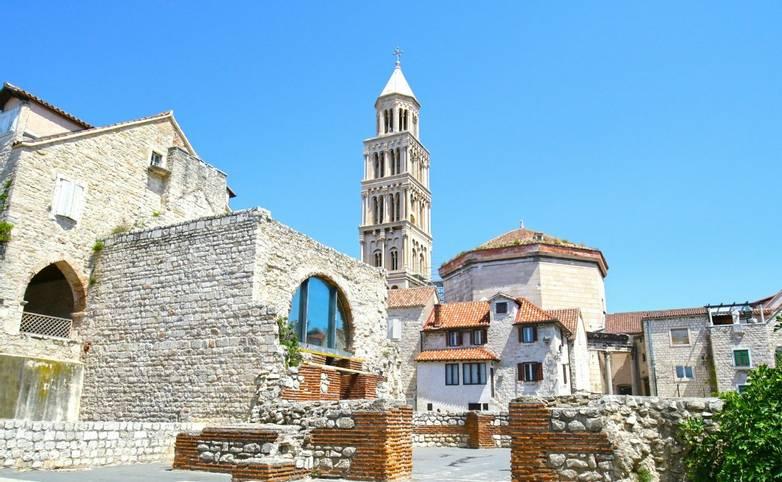 Croatia_Diocletian_Palace_Split_AdobeStock_281847644.jpeg