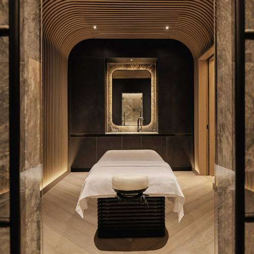 equinox-hotels-spa-treatment-room-massage-table.jpg