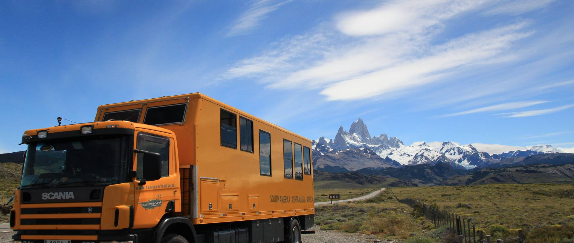 Truck with El Chaten mountain range in the background.JPG