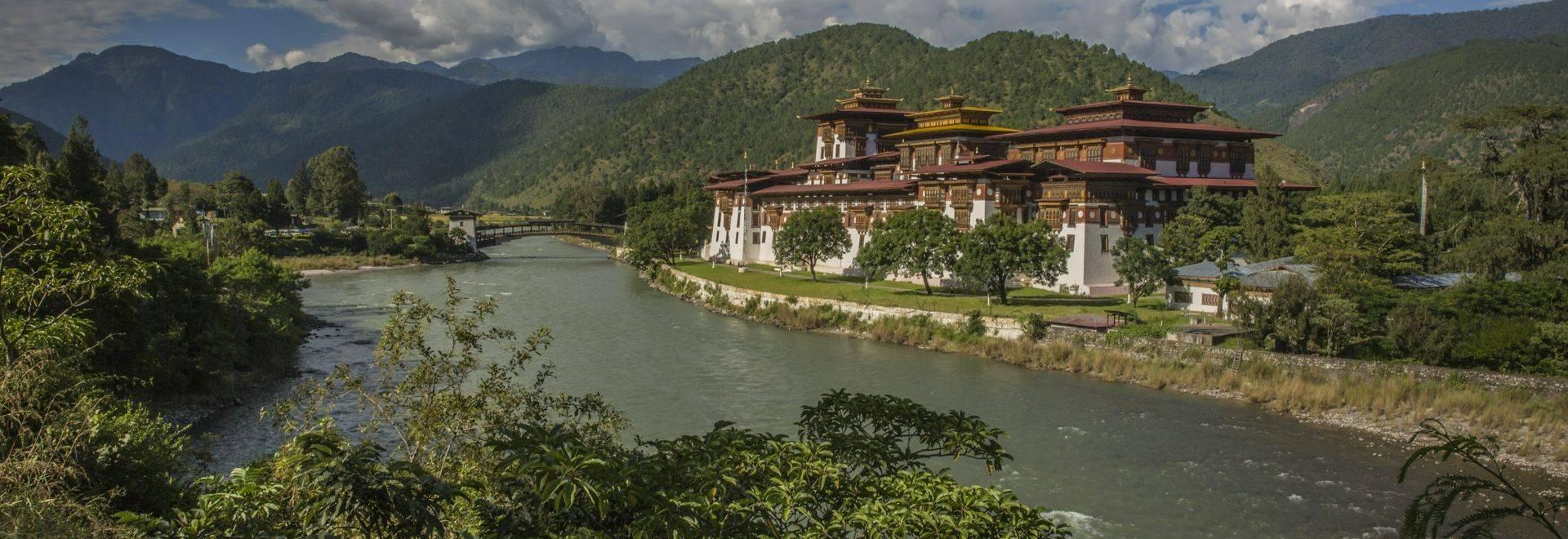 Bhutan Punakha Dzong Oana Dragan 2016 - 0M4A5846 Lg RGB.jpg
