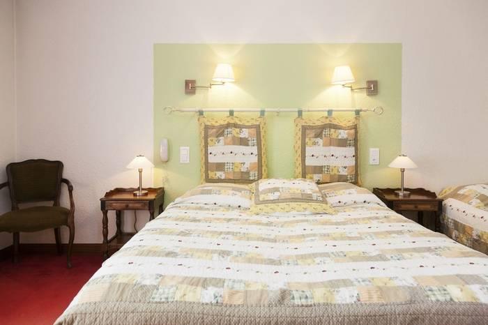 Triple bedroom at the Hotel Granges Arles