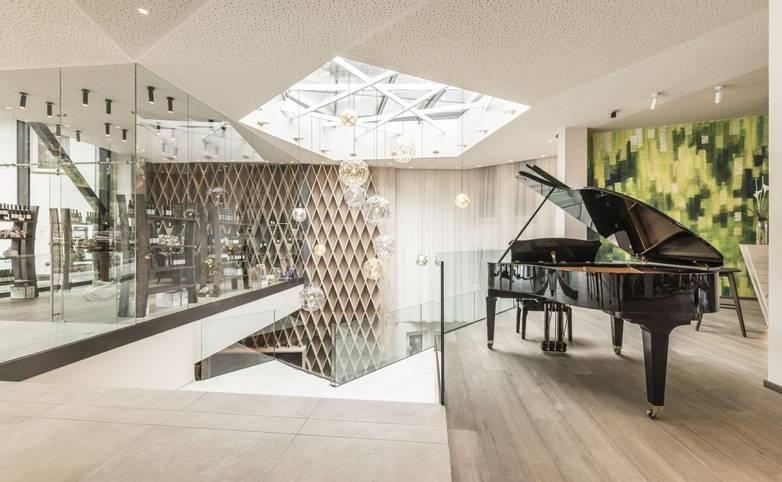 Hotel Schwefelbad - South Tyrol - Klavier 2.jpg