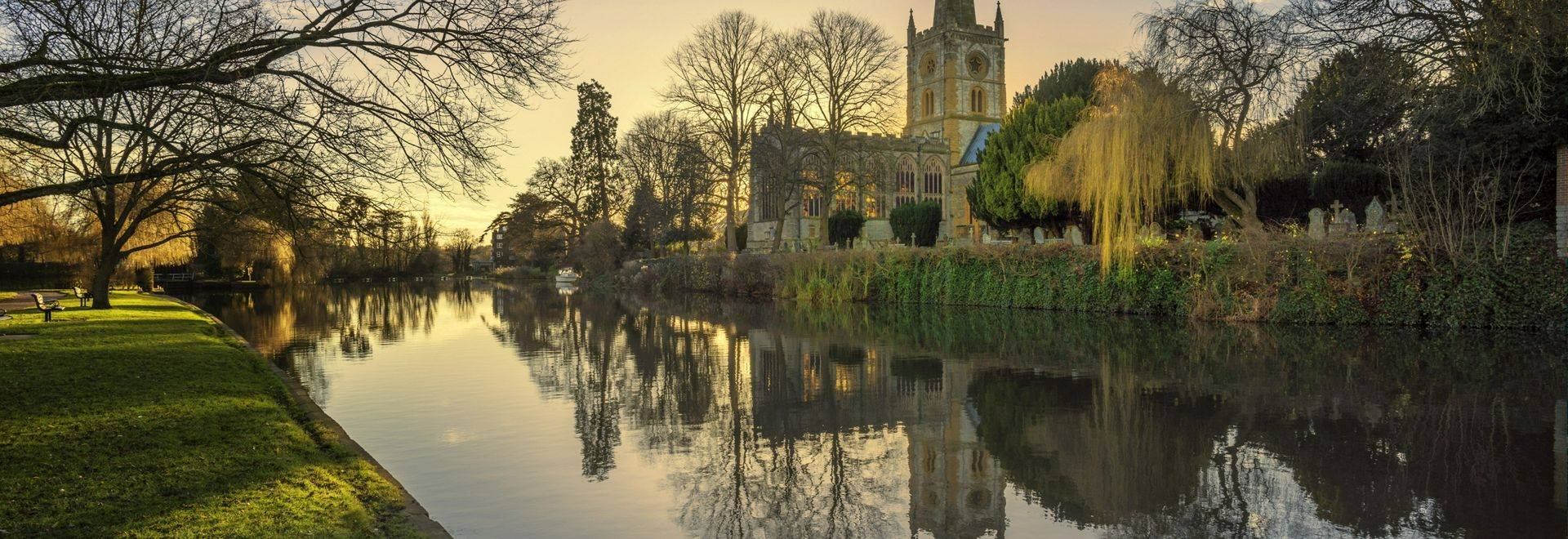 shakespeares burial place holy trinity church stratford-upon-avon  warwickshire the midlands england uk. reflections in the …