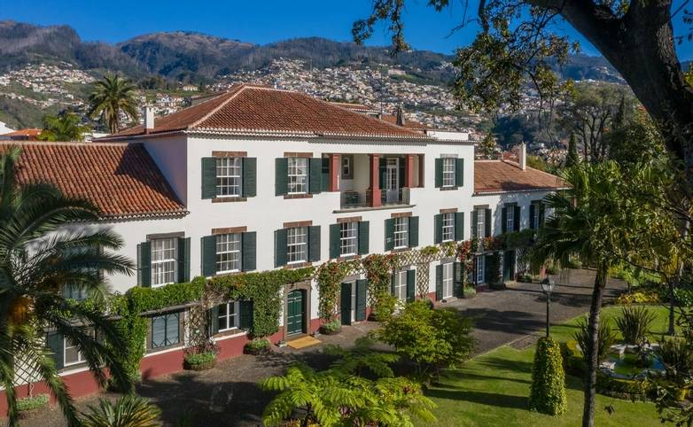 Portugal - Gardens of Madeira - Alberto Reynolds  - 2. QUINTA JARDINS DO LAGO.jpg