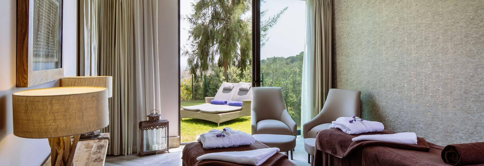 Macdonald-Monchique-spa-treatment-room.jpg