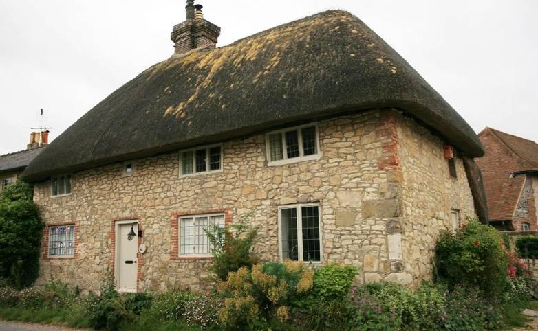 Amberley_old_cottage.JPG