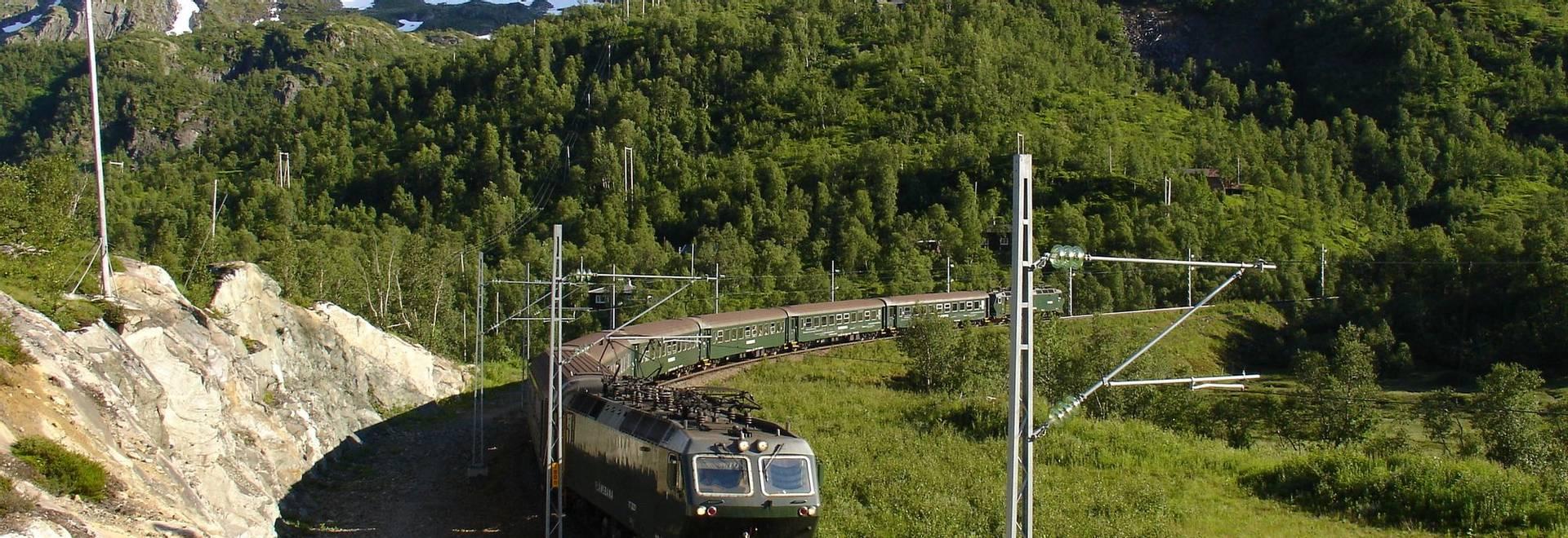dreamstime_m_24308438 Flam Railway.jpg