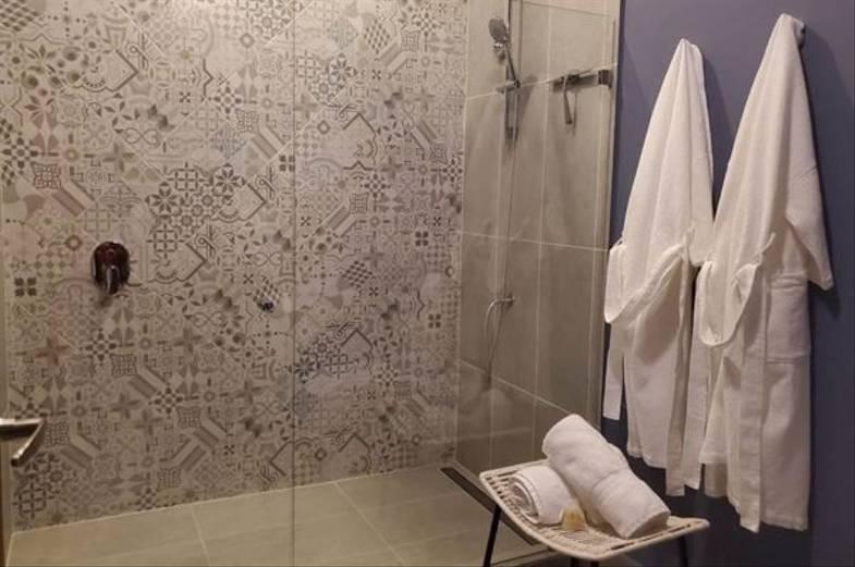 lapazul-retreat-room-bathroom-2-600x398.jpg