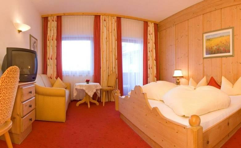 Austria - Neustift - Stubai Alps - Hotel Sonnhof - Room - Homepage Bilder 018.jpg