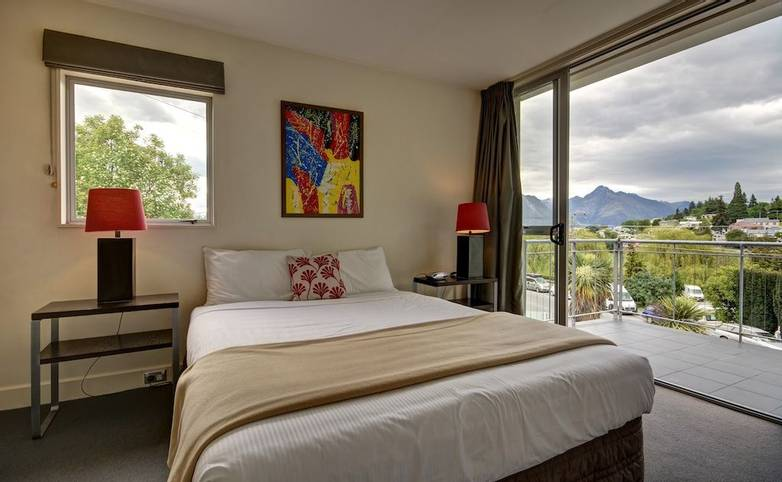 New Zealand - Whistler bedroom.jpg