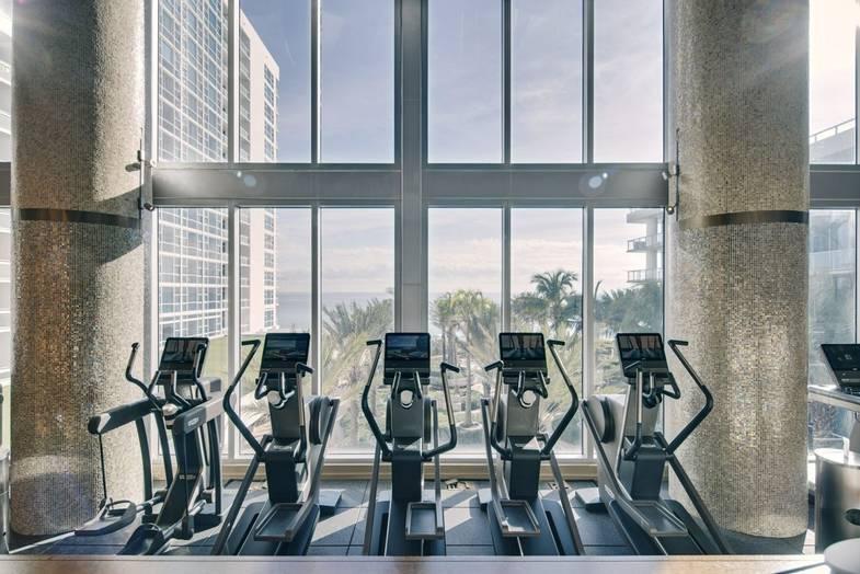 carillon-fitness-Floor-1.jpg