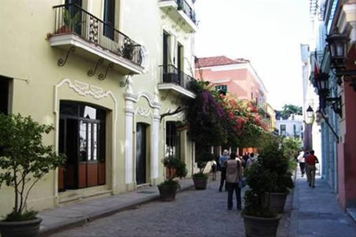 Havana street (John Raby)