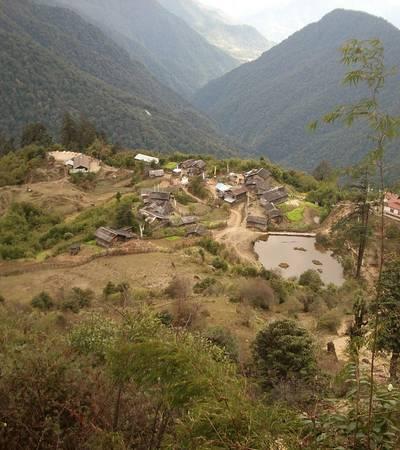 Village and monastery at Tshoka