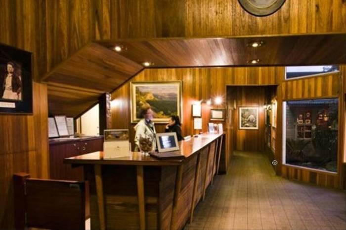 O'Reilly's reception area