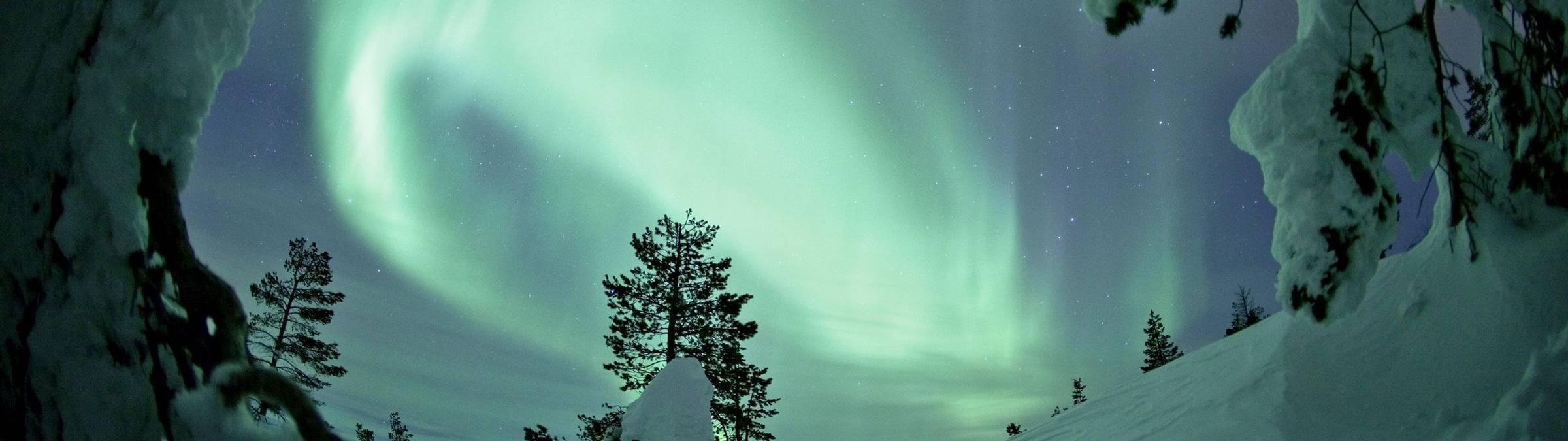 VisitFinlandAurora_4_Large RESIZED Credit Miikka Niemi, Flatlight Films & Visit Finland.jpg