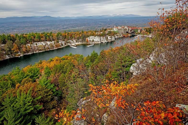 Mohonk-Mountain-House-Fall-Distance.jpg