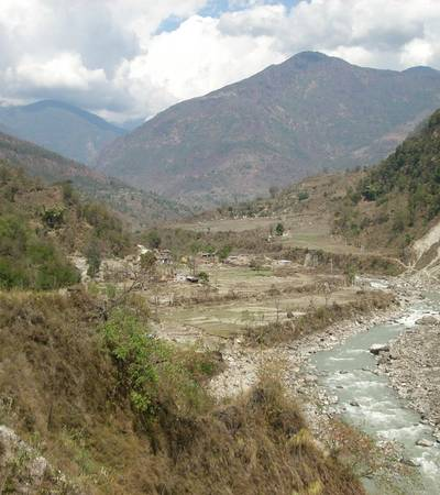 Trail to Dharapani