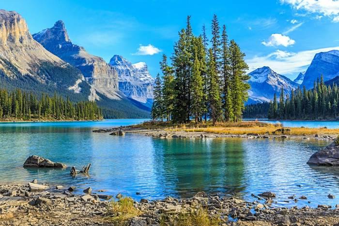 Jasper National Park, Canada shutterstock_255015211.jpg