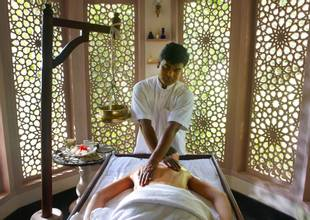 The Bodyholiday Back Massage 5