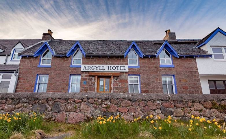 Exterior Argyll Hotel Iona from hotel's website.jpg