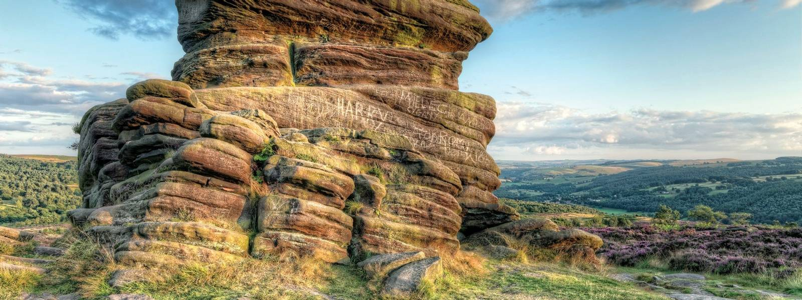 Peak District - Mother Cap Rock - Goeology -AdobeStock_69706566.jpeg