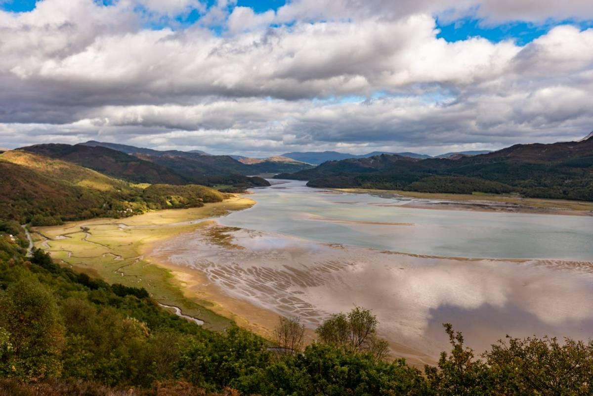 Southern Snowdonia - Dolgellau -Spring and Winter - AdobeStock_227442103.jpeg