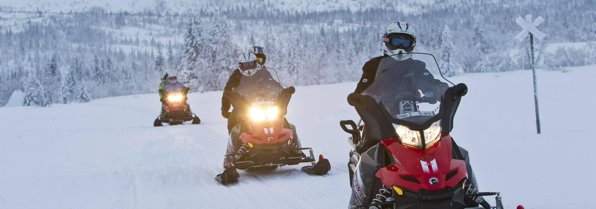 mikko_nikkinen-snowmobile-2176.jpg Credit Mikko Nikkinen & imagebank.sweden.se.jpg