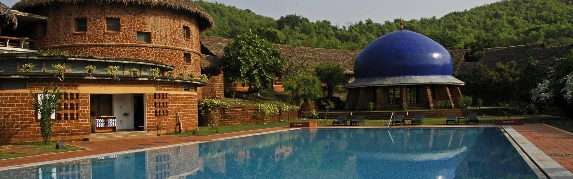 SwaSwara-pool.JPG
