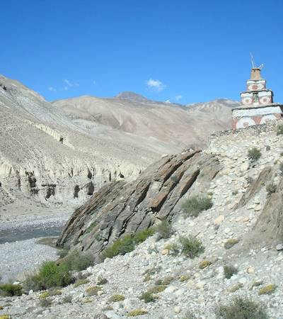 Chorten near Dora Sumda camp (4,000m)