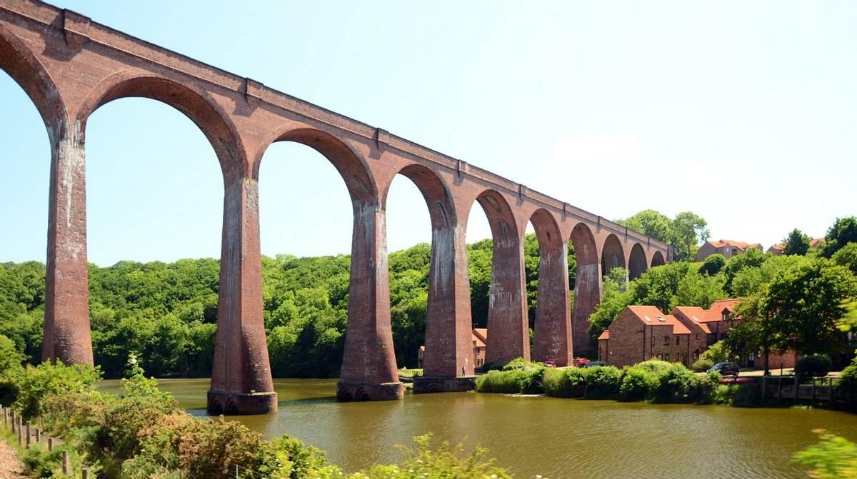 North_York_Moors_Larpool_Viaduct_AdobeStock_442328171.jpeg