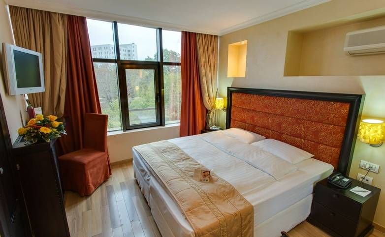 Romania - Hotel Moxa - standard room - Agent Photo.jpg