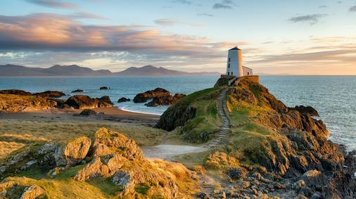 Best of Anglesey Coast Path Guided Island Hopping Holiday