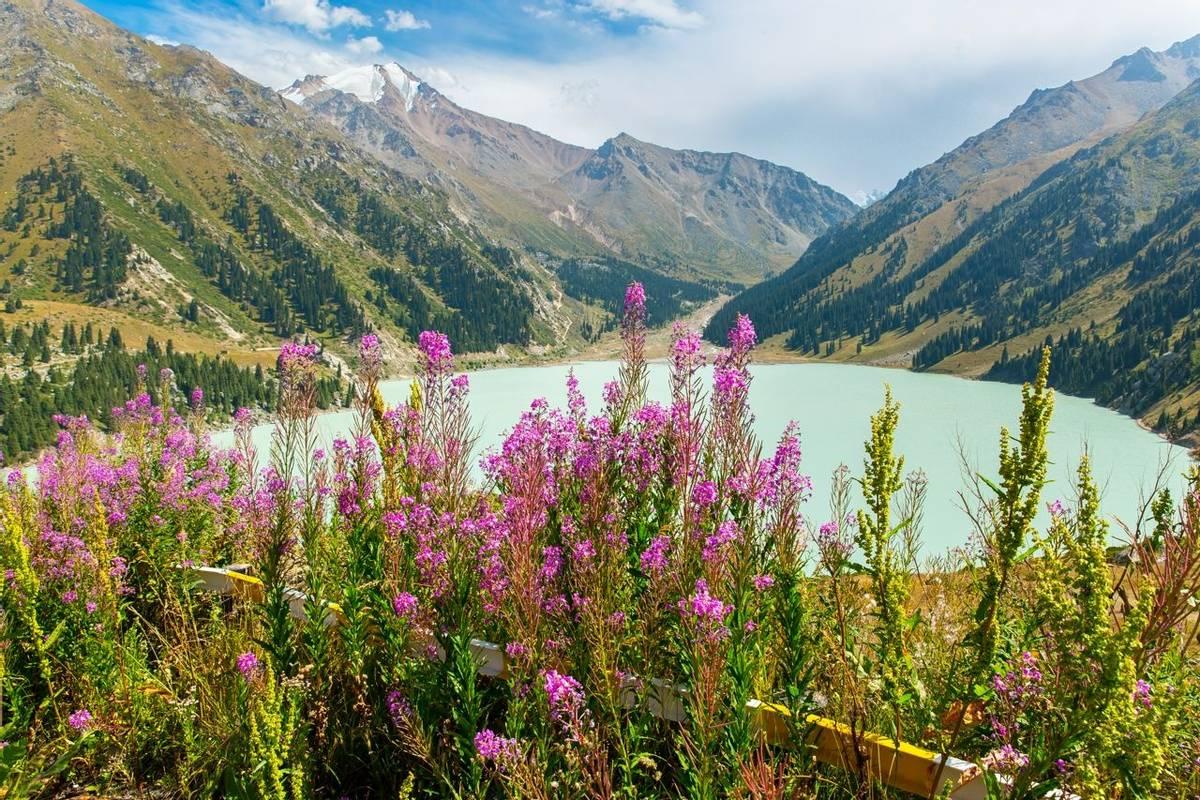Almaty Lake, Kazakhstan. Shutterstock 227404474
