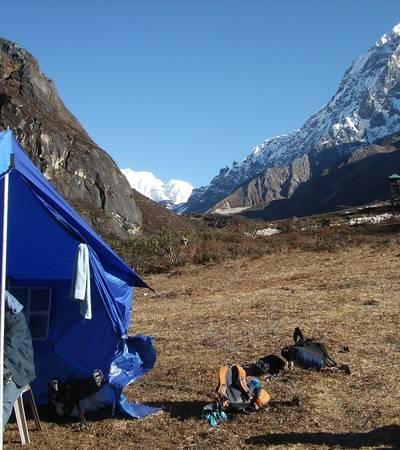 Onglathang camp (4,000m)