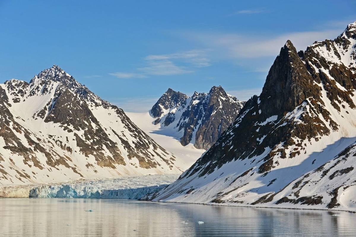 Glacier, Spitsbergen Shutterstock 606954107