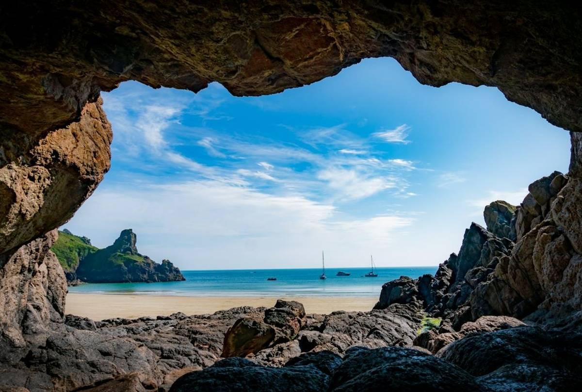 Petit Port Cave, Guernsey
