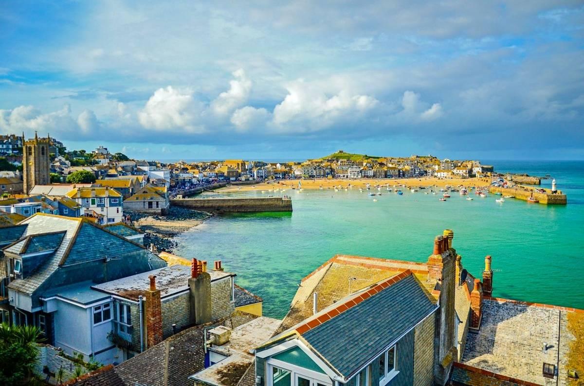 Cornwall - Family - AdobeStock_99648556.jpeg
