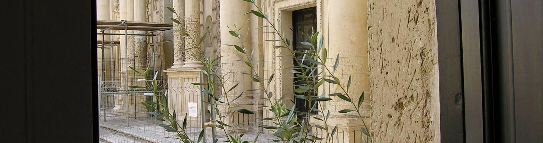 Palazzo Persone, Puglia, Italy (2).jpg
