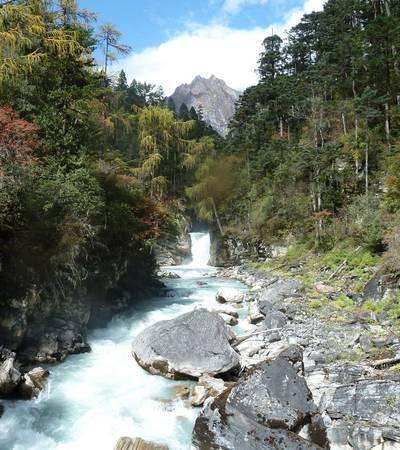 River near Dur Tsachu (3,200m)