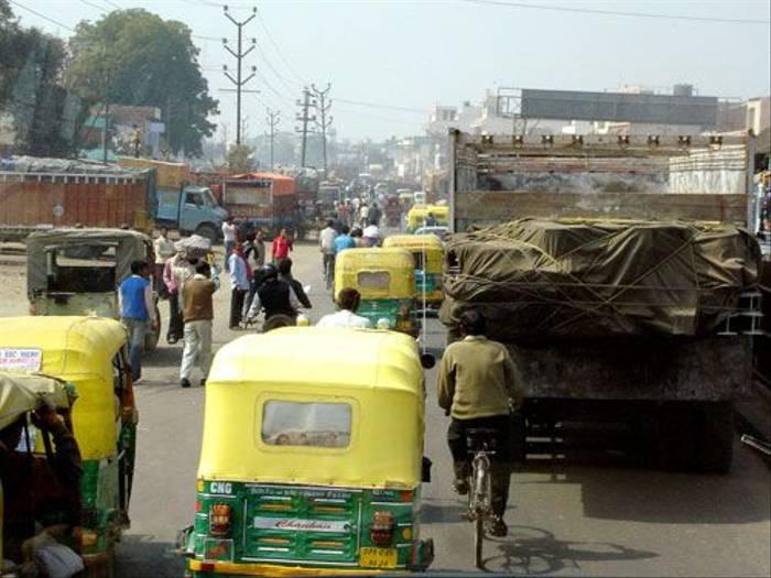 Delhi street (Simon Woolley)
