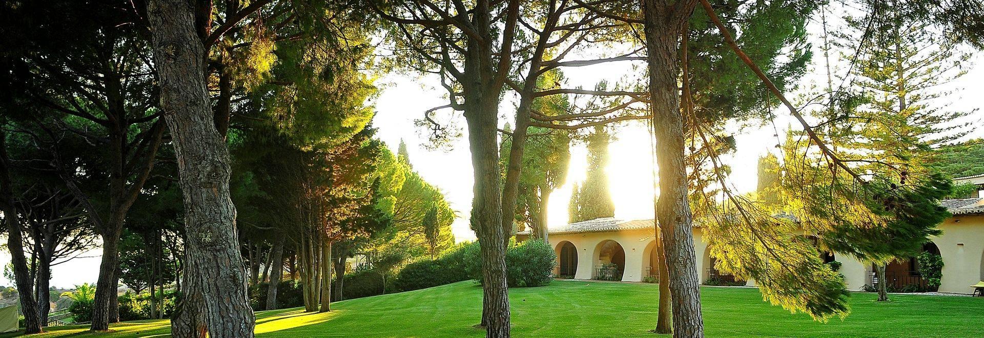 Vilalara-Thalassa-Resort-gardens.jpg
