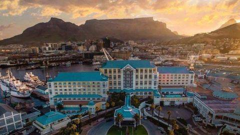 Table Bay Hotel   3