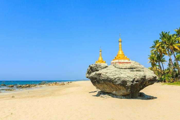Ngapali Beach, Myanmar shutterstock_386700820.jpg