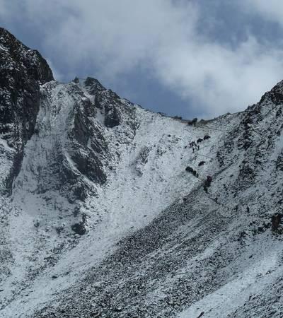 Saga La pass at 4,820m