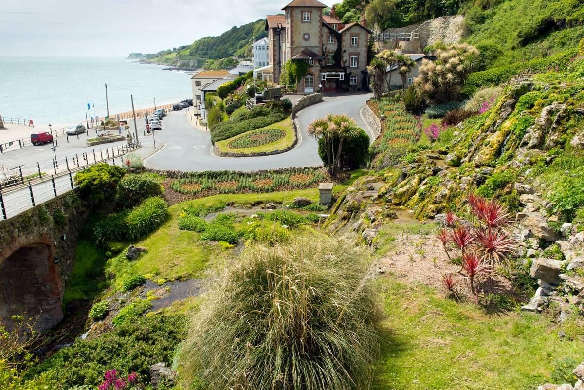 AdobeStock_68871462_Ventnor_Botanic_Gardens.jpeg
