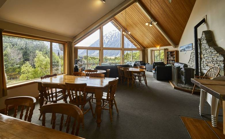 Australasia - New Zealand - Aoraki Lodge Lounge 1.jpg